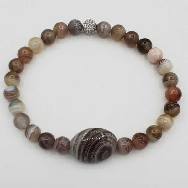 Bracelet with oval and round Botswana Agate beads