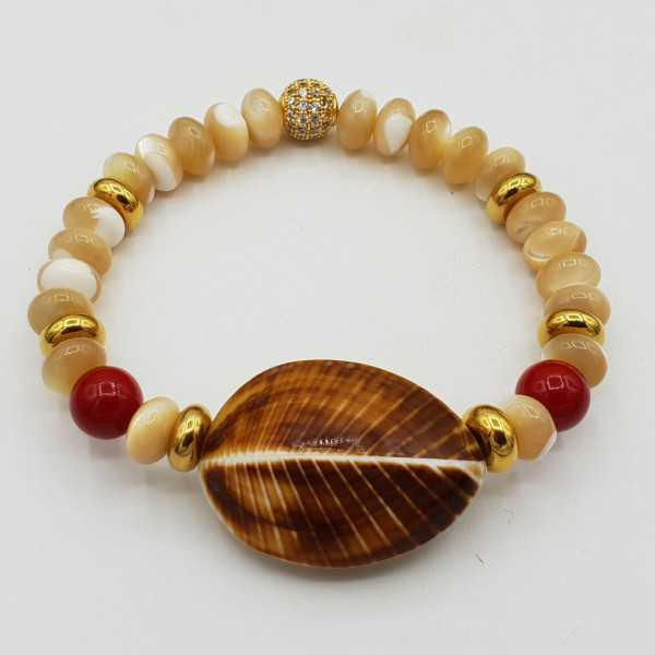 Bracelet with mother-of-Pearl Coral and shell