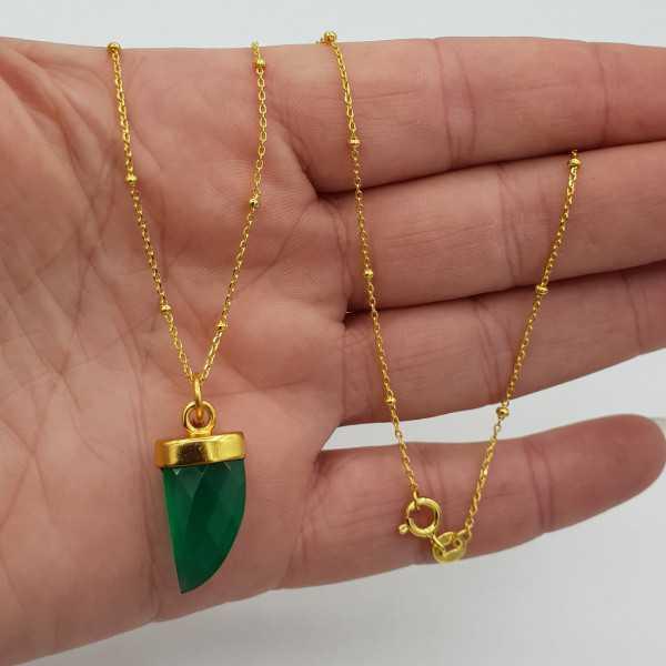 Goud vergulde ketting met groene Onyx hoorn hanger