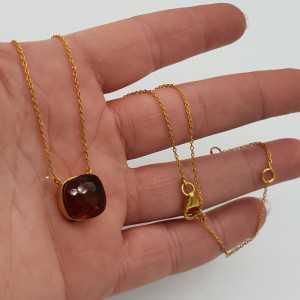 Goud vergulde ketting met vierkante donkere Citrien quartz hanger