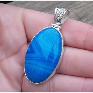 Silver pendant with oval blue Botswana Agate