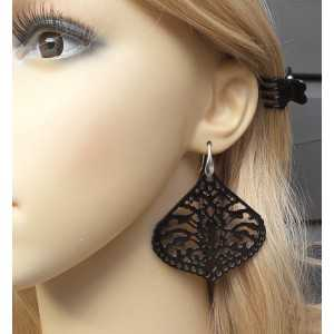 Earrings with carved black buffalo horn 01
