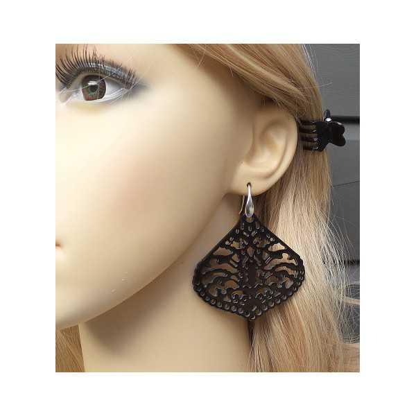 Ohrringe mit geschnitzten schwarzen Büffel horn 01