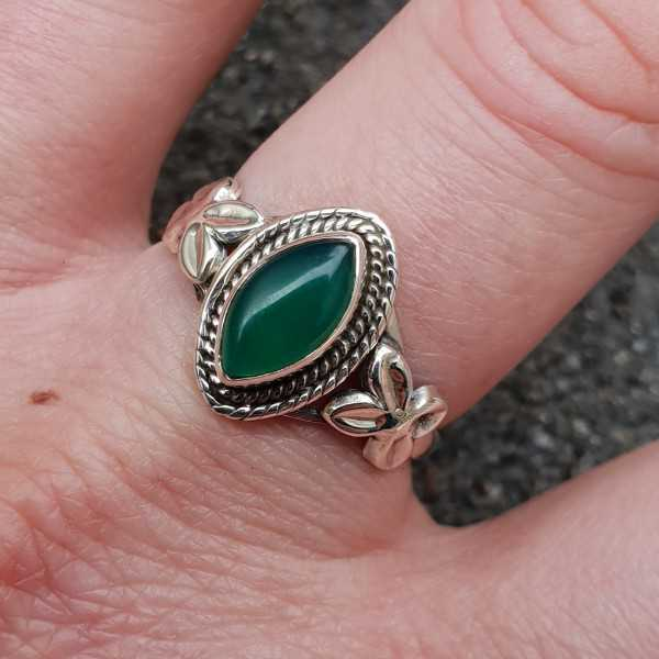 Zilveren ring met marquise groene Onyx