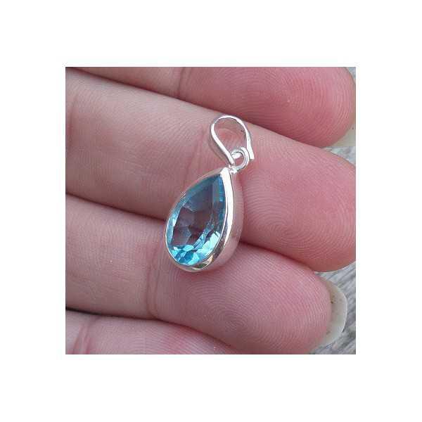 Zilveren hanger met kleine druppelvorm blauwe Topaas