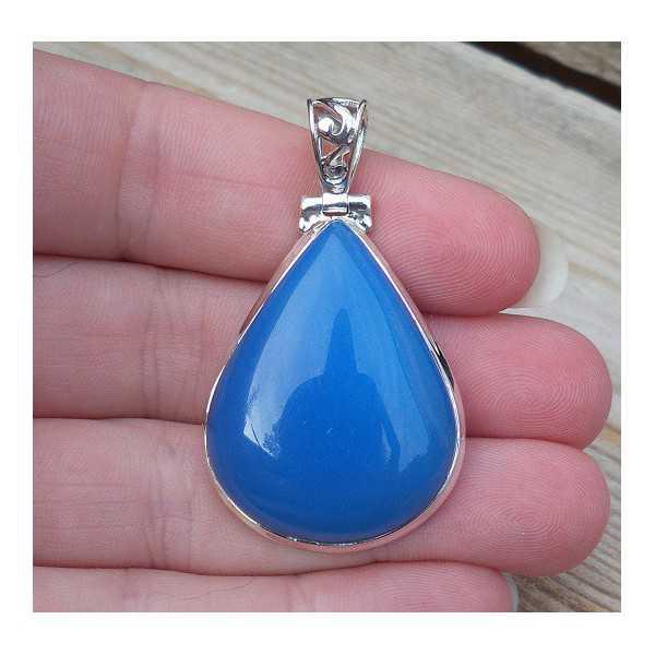 Zilveren hanger gezet met druppelvorm blauwe Chalcedoon