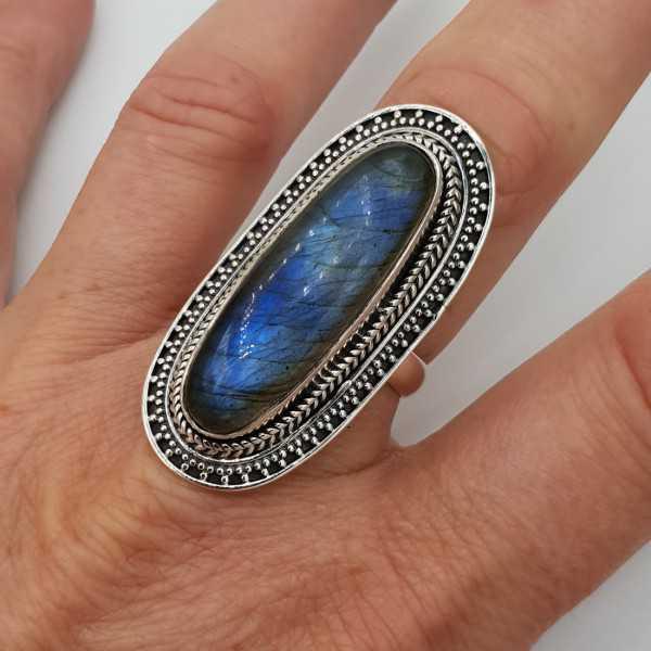 Ein Silber ring set mit Labradorit