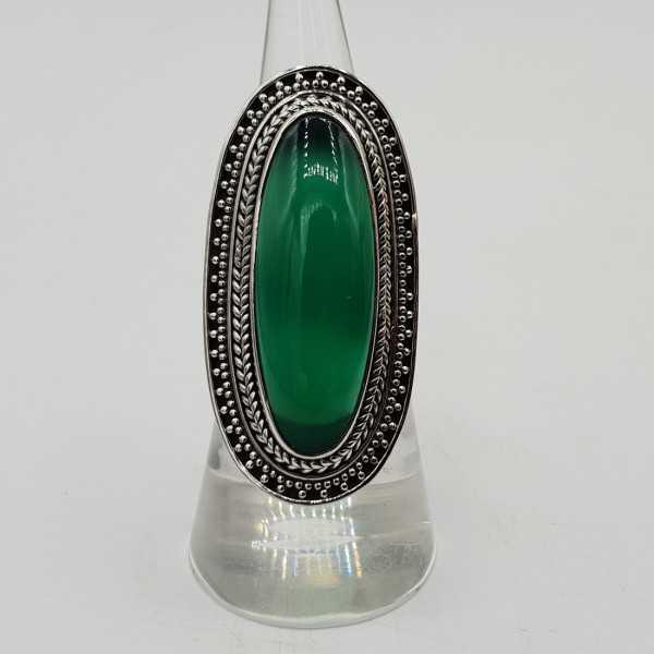 Ein Silber ring set mit grünen Onyx.