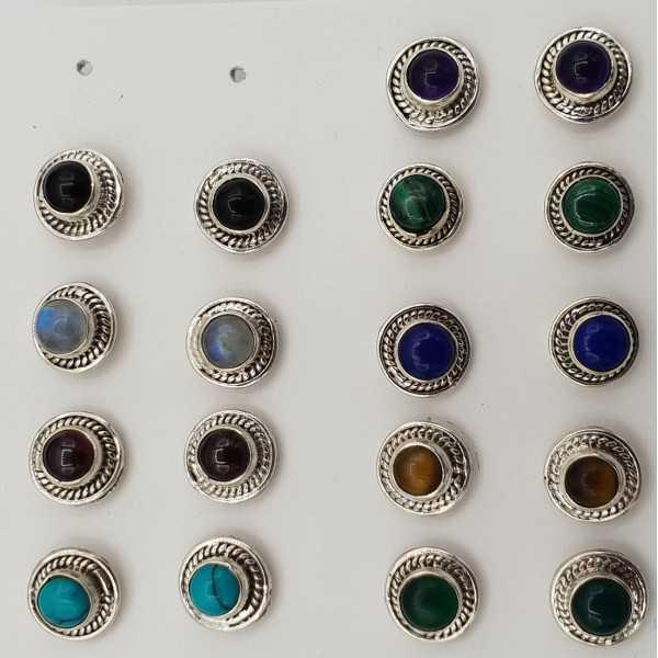 Zilveren oorknopjes met ronde steen naar keuze