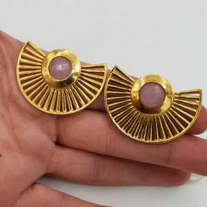 Goud vergulde waairer oorbellen met roze Chalcedoon