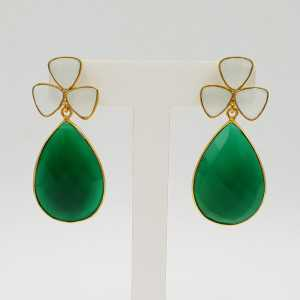 Gold-plated drop earrings with green Onyx and white Chalcedony