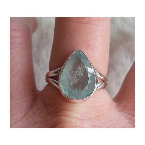 Silber ring besetzt mit oval facettiertem Aquamarin Größe 18 mm