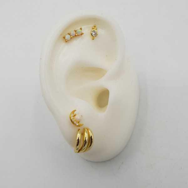 Goud vergulde oorknopjes met drie Opalen