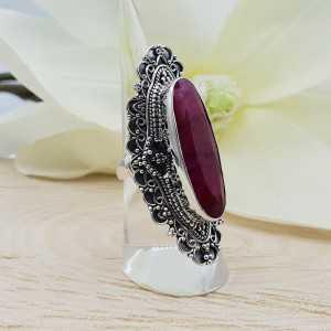 Ein Silber ring set mit einem ovalen Rubin in jeder Einstellung: 16 mm