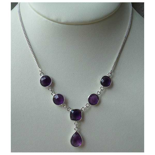 Silver necklace set with facet cut Amethisten