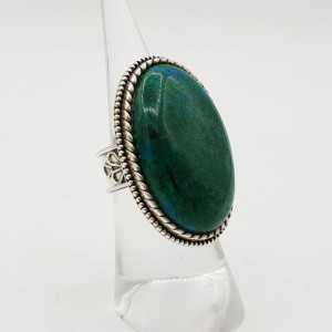 Zilveren ring gezet met grote brede ovale Chrysocolla 16.5 mm