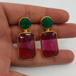 Vergoldete Ohrringe mit rohen grünen Achat und rosa Turmalin, Quarz