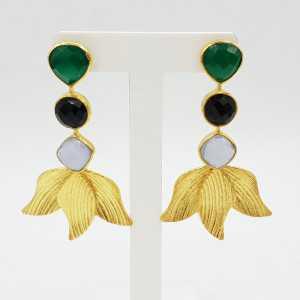 Vergoldete Ohrringe mit grünem Onyx Chalcedon und Onyx schwarz.