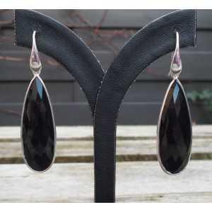 Zilveren oorbellen met facet smalle zwarte Onyx briolet