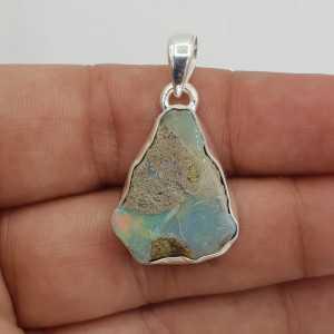 Zilveren edelsteen hanger met ruwe Ethiopische Opaal