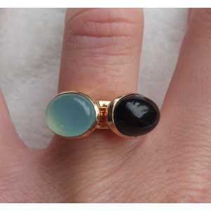 Gold-plated rings set with Chalcedony and Onyx 16.5 mm