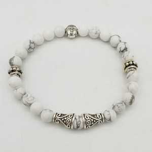 Bracelet with white Howliet