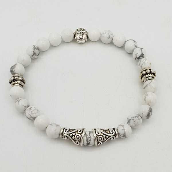 Armband mit weißen Howliet