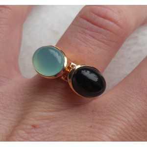 Vergulde ringen gezet met Carneool en Onyx 18 mm