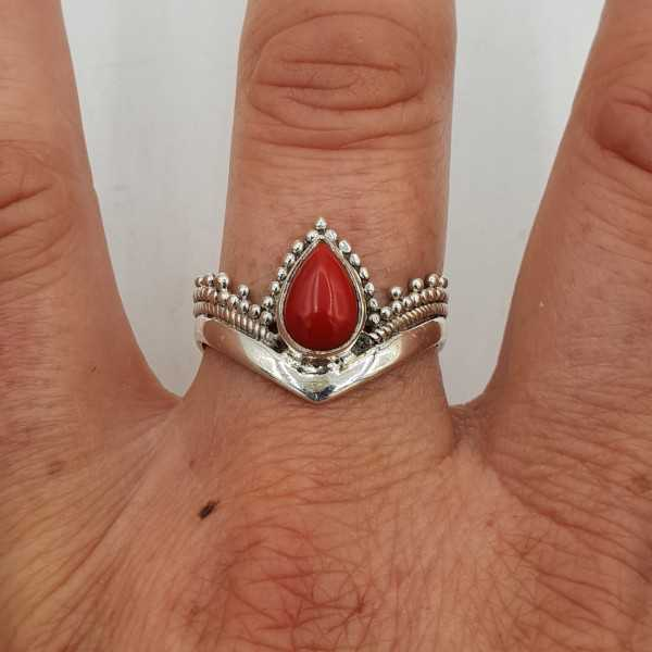 Zilveren ring gezet met Koraal 19 mm