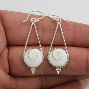 Silber Ohrringe mit Runden Shiva Muschel