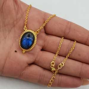 Vergoldete Halskette mit ovalen Labradorit-Anhänger