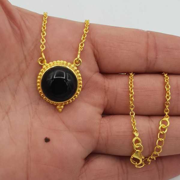 Vergoldete Halskette mit Runden schwarzen Onyx-Anhänger