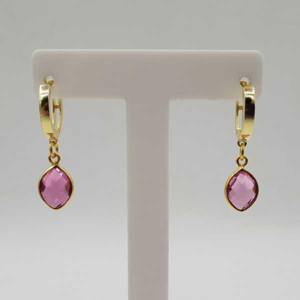 Goud vergulde creolen met roze quartz hanger
