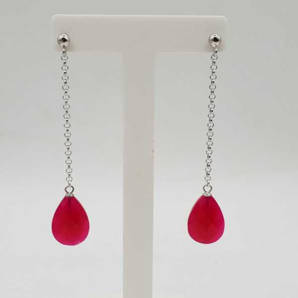 Zilveren lange oorbellen met fuchsia roze Chalcedoon druppel