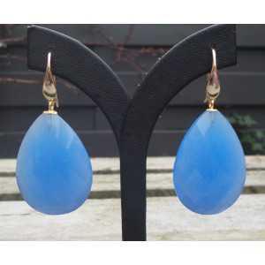 Vergulde oorbellen gezet met grote facet blauwe Chalcedoon