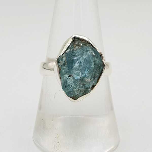 Zilveren ring gezet met ruwe Apatiet 18 mm