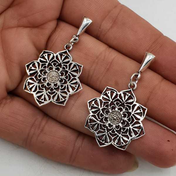 Zilveren bewerkte oorhangers