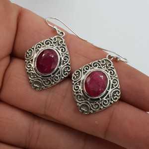 925 Sterling zilveren oorbellen ovale Robijn bewerkte setting