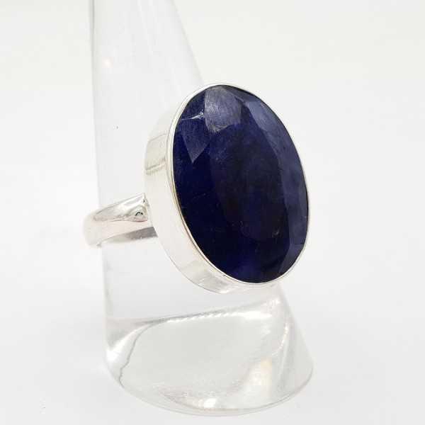 Zilveren ring met ovale Saffier 19.5 mm