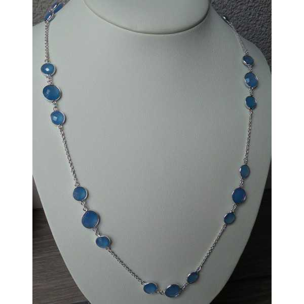 Silver necklace set with round faceted blue Chalcedony