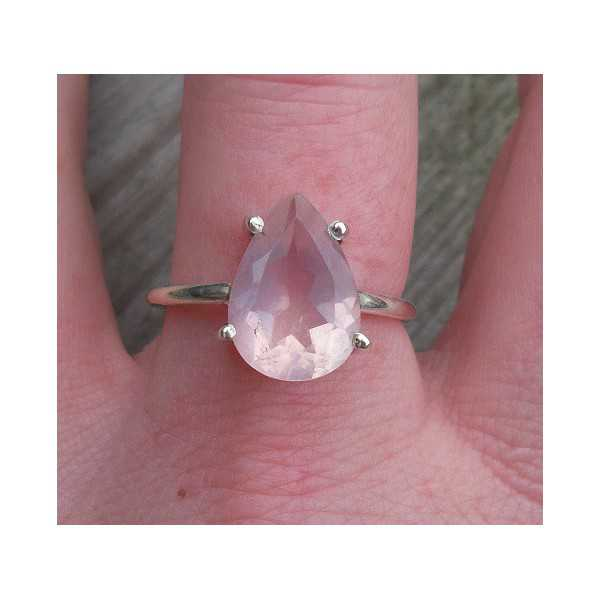 Silver ring set with oval shape faceted rose quartz 18.5 mm