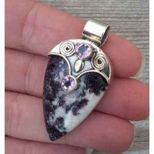 Silver pendant with Bertrandiet and round Amethyst