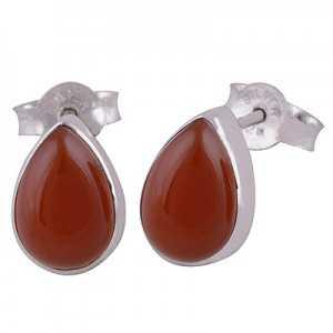 Zilveren oorknoppen gezet met druppelvormige Carneool