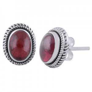 925 Sterling zilveren oorknoppen met ovale Granaat