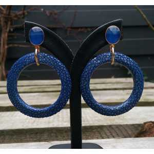 Gold plated earrings circle of blue Roggenleer and Chalcedony