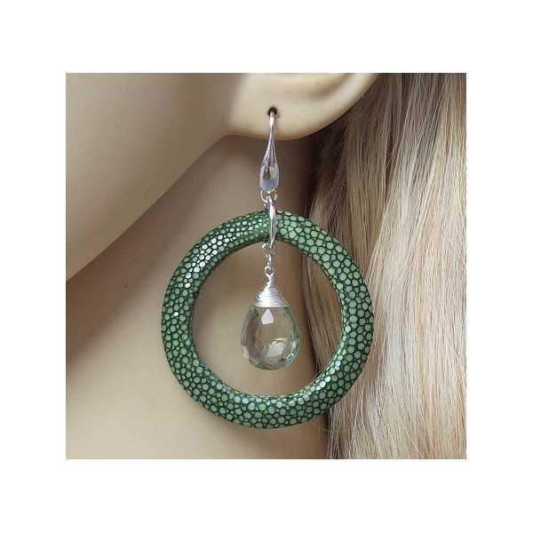 Zilveren oorbellen met groene Amethist en groen Roggenleer