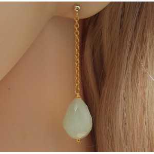 Vergulde lange oorbellen met licht groene Jade briolet