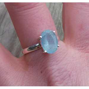 Zilveren ring gezet met ovale facet Aquamarijn 19 mm