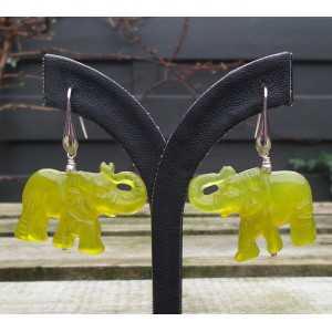 Zilveren oorbellen met olifant van Serpentijn