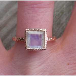 Vergulde ring gezet met vierkante facet Maansteen 17.3 mm